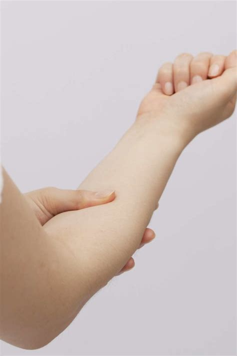 Forearm pain: Causes, exercises, and stretches